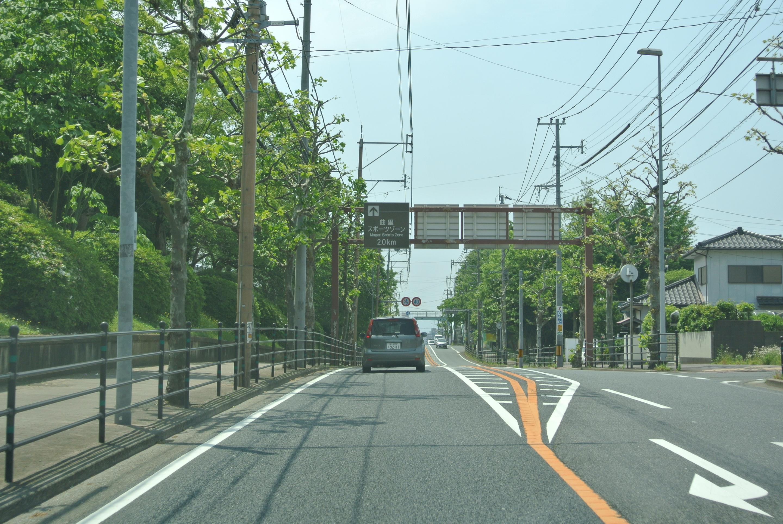 桃園公園前の道を黒崎方面