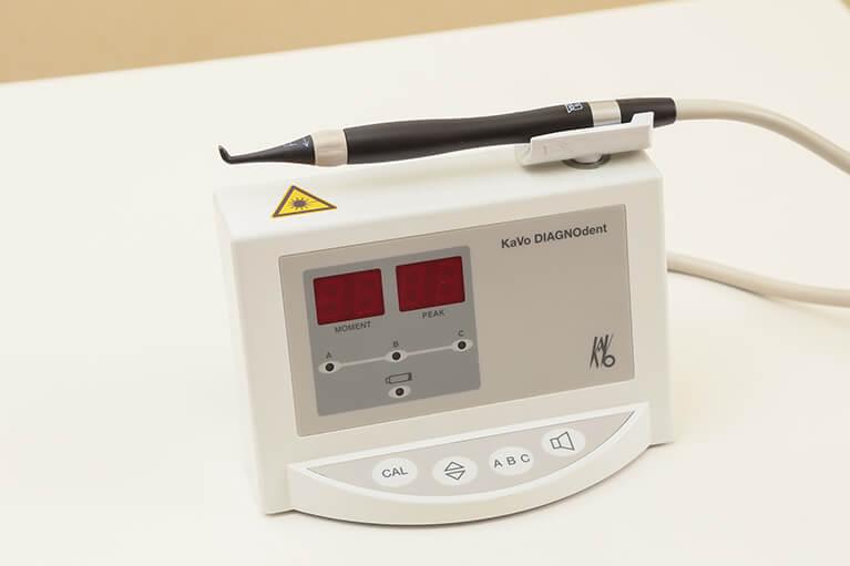 虫歯検知器DIAGNOdentによるチェック